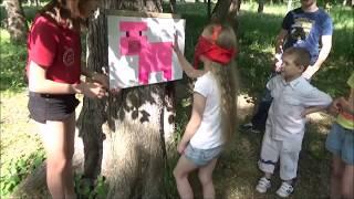 видео Конкурсы для пикника, семья на пикнике с конкурсами и играми