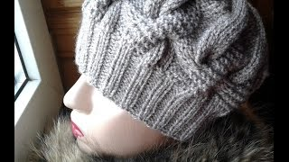 Шапка спицами из объемных кос. Часть 1 // Women's hats knitting