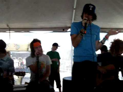 HQ Forever The Sickest Kids Live