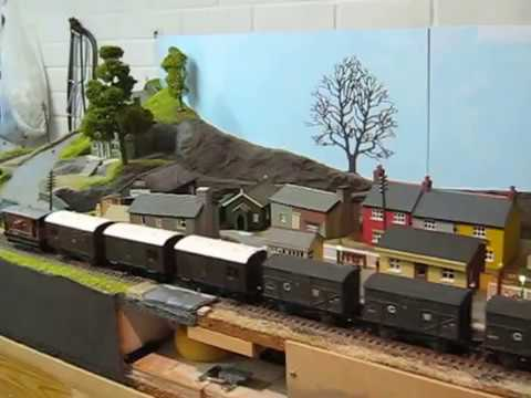 Reversing a reasonable length freight including Dapol kit built wagons