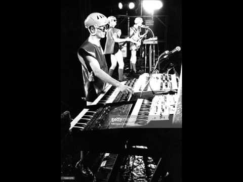 Devo- Wiggly World (Live At The Long Beach Arena 1979 | Alternate Source!)