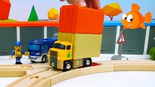 SURPRISE TRUCK! - Brio Toys demo - Learning videos for kids - Fruit and Vegetables Truck