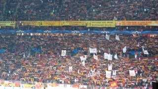"Scarf show by ultrAslan + Galatasaray war chant anthem at Turk Arena ""Cehennem"""