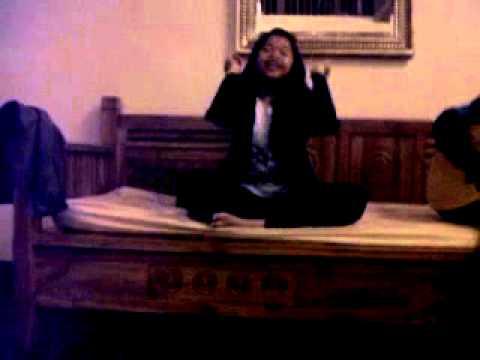 Tinggal Kenangan acoustic version by vivi