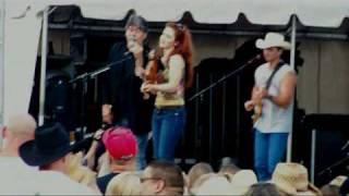 Randy Owen, Wade Hayes, Megan Mullins - Dixieland Delight medley