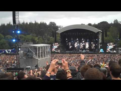 Oasis At Slane: Intro, Rock 'n' Roll Star (HD)