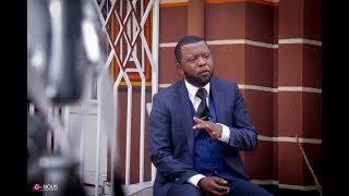 VOICI L'HOMME a dit JE NE SUIS pas UN POLITICIEN et JE NE FERAI JAMAIS LA POLITIQUE