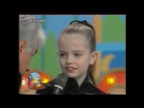 Emily Meade canta Sottosopra 40° Zecchino d'Oro 1997