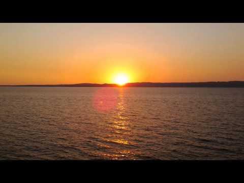 Alan Jackson - The Sounds (with lyrics)