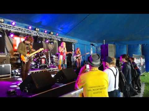 Peach Fuzz IOW Festival 2017