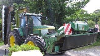 John Deere 7810 Mowing Silage