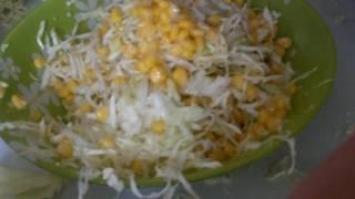 Салат из кукурузы и капусты