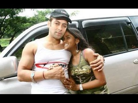 Arpita's Rare Pictures With Brother Salman Khan