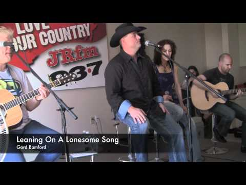 Gord Bamford - Leaning On A Lonesome Song (LIVE)