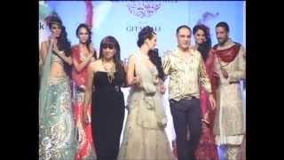 Anjalee & Arjun Kapoor - Pune Fashion Week Thumbnail