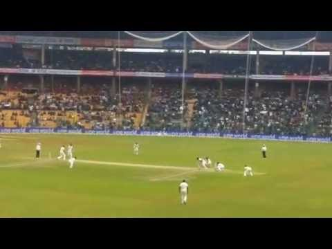 AB de Villiers Walks Out to Bat in Bangalore for his 100th test match!