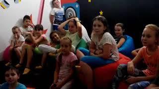 Урок английского языка в Лагере Профессий Jump Park