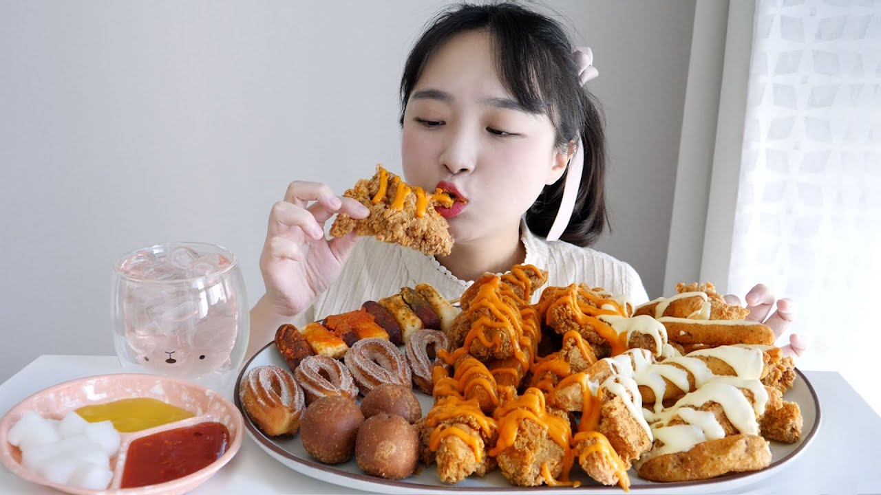 네네치킨 먹방💛신상 레드마요치킨+포테이토짜용치킨 ft. 연유치즈볼,네네츄러스,소떡소떡 REALSOUND MUKBANG | Chicken,Cheeseballs :D