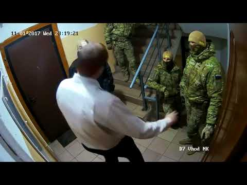 Сотрудник ФСБ признается в заказном истязании журналиста и депутата Рудникова.