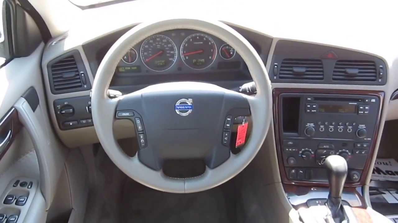 2005 volvo xc70 interior