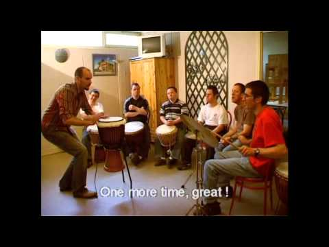 Reportage TERANGA - Musicothérapie - show with mentally handicapped musicians