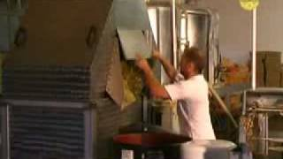 Miellerie en continue - Honey Gold - Ickowicz Apiculture.flv