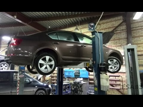 How to remove a gearbox fit clutch on a Fiat Punto 1.3 slx  (part 1)