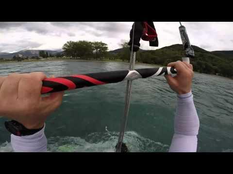 Kitesurf Lac de Serre Poncon Flysurfer 19 m2