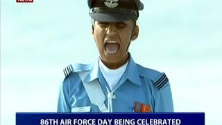 हिंडन एयरबेस पर भारतीय  वायुसेना का जाबांज प्रदर्शन