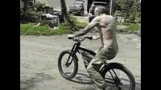 Электровелосипед(На видео первые испытания велосипеда с электромотором. Всё было собрано своими руками из отдельных комплек..., 2016-06-19T12:32:32.000Z)