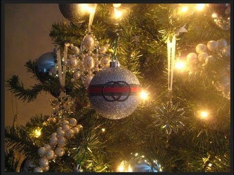 Chanel Christmas Ornaments.Diy Gucci Christmas Tree Ornament Have A Very Gucci Christmas