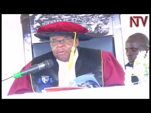 Former Tanzanian President Mkapa urges Ugandan graduates to find solutions to local problems