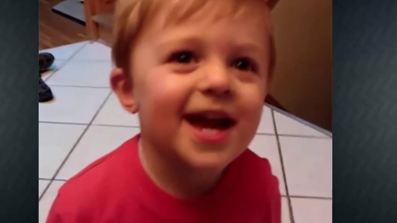 Merry Christmas Vine.A Kid Says Merry Christmas