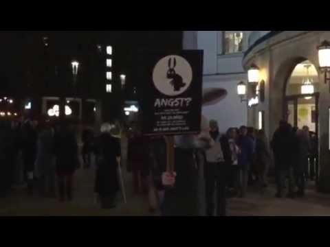 Was macht dieser Angsthase bei der Langen Nacht der Theater in Dresden?
