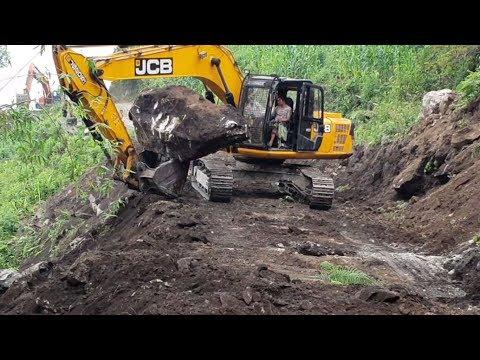 JCB Excavator VS Big Stones-Excavator Widening Hilly Road