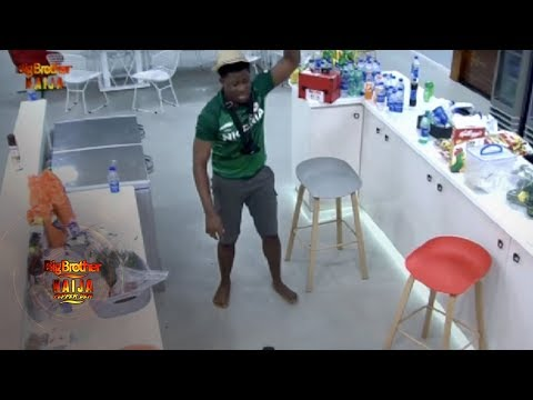 Omashola Minds His Business As Tacha & Seyi Clash In The Kitchen