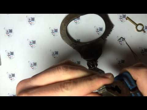 видео: Как открыть наручники