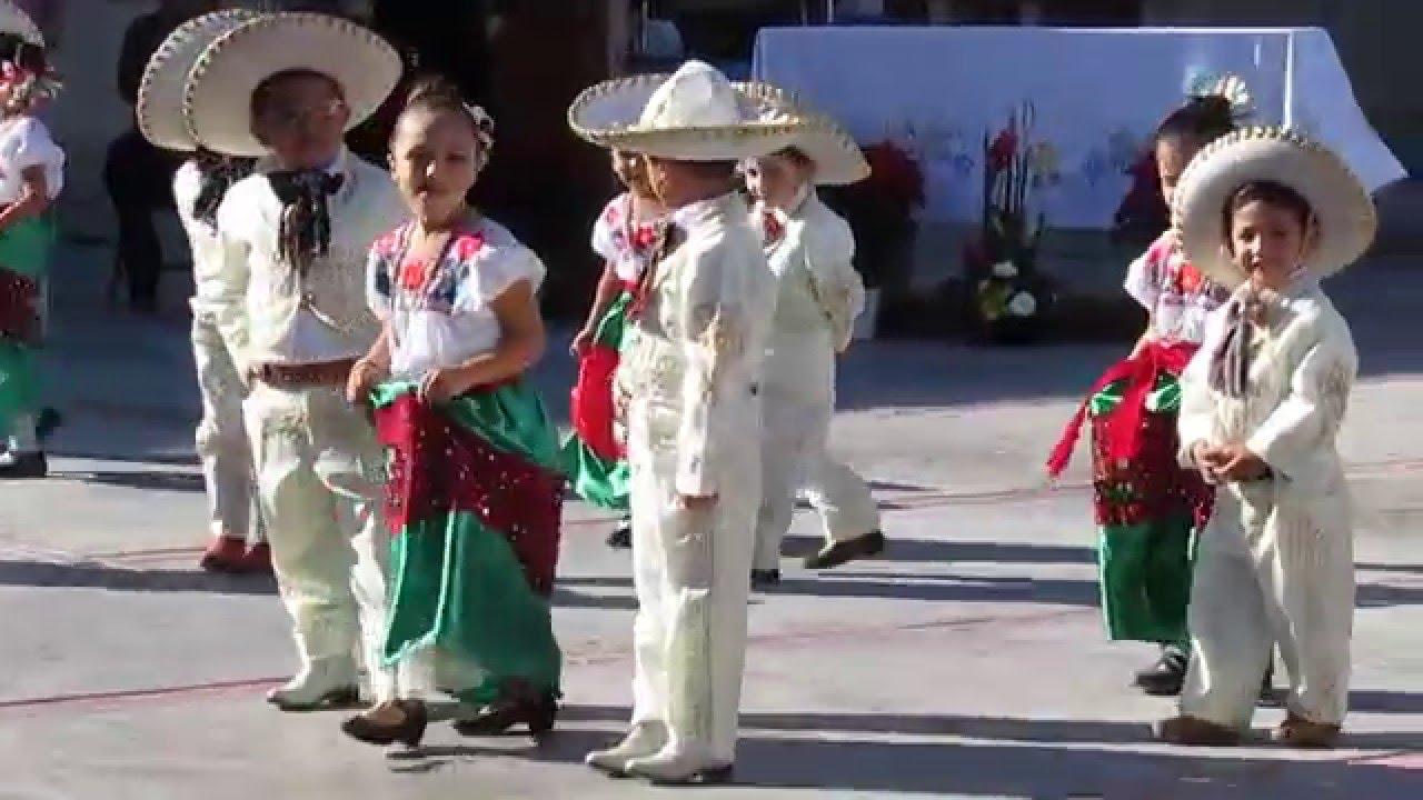 preschool christmas celebration dance at colegio california la paz bcs mexico youtube. Black Bedroom Furniture Sets. Home Design Ideas