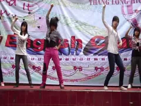 Các girl khối 12 Thăng Long nhảy hay đừng hỏi