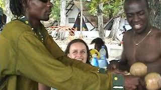 Repeat youtube video Guilou Beach avec Gwoup Twoubadou Haiti