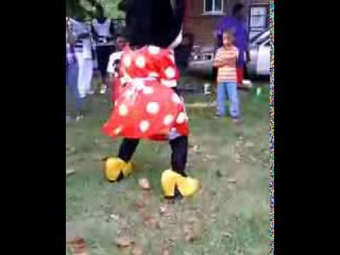 Minnie Mouse Twerking On Labor Day 2013 Travel Video