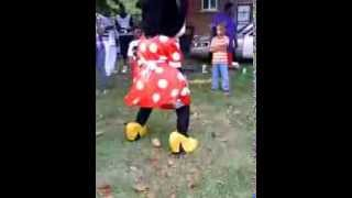 Minnie Mouse Twerking On Labor Day 2013