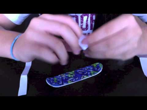 how to make a finger snowboard
