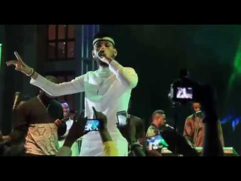 PHYNO IN A SUPER LIVE PERFORMANCE