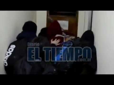 Desalojan municipalidad de Azul tras la toma