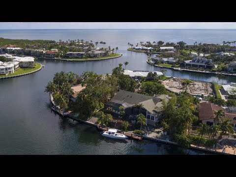 Contemporary Waterfront Home at Ocean Reef
