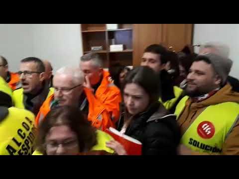 Los trabajadores de Alcoa toman la sede de la Diputación