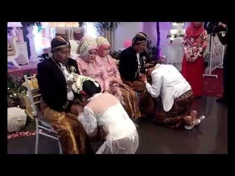 Sungkeman Adat Jawa (akad Nikah Islami) - Ghazali Ramadhani & Isabel Patricia Granada