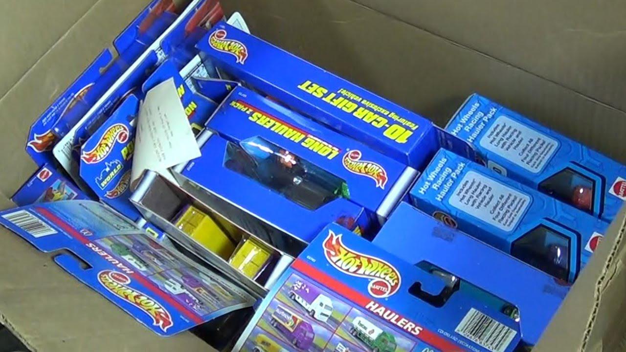 NCTC02 Time Capsule Carboard Box Haulers 10-Packs Kool Toys Stowu0026Go Hot Wheels World - YouTube & NCTC02 Time Capsule Carboard Box Haulers 10-Packs Kool Toys ... Aboutintivar.Com