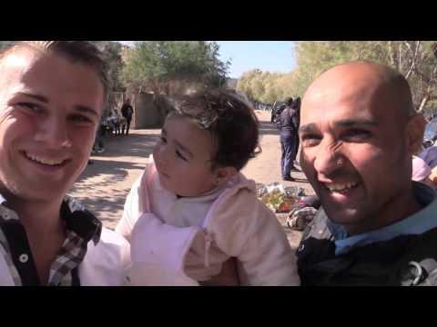 Missie Lesbos - Dag 4 | Vluchtelingen genieten van hulp vrijwilligers Live for Lives